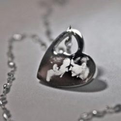 Lyukas szív medál
