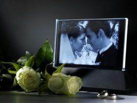 Síküveg egyedi fényképes gravírozással  világító ledes talppal